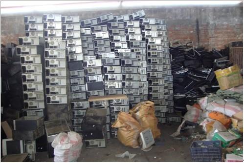 周师傅提金:电子垃圾中含有大量黄金,提炼意义巨大