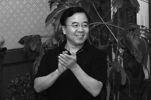 """当刘明把自己的拳头产品""""万能芯片""""打造出来时,有人用这样一组数据来解读它的意义"""