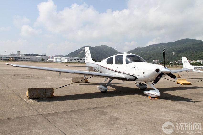 张加军/西瑞公司SR22轻型运动飞机摄影:环球网记者张加军