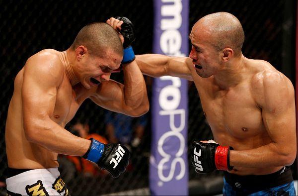ufc张铁泉比赛_图文:UFC澳门赛精彩瞬间 张铁泉重击对手-搜狐体育