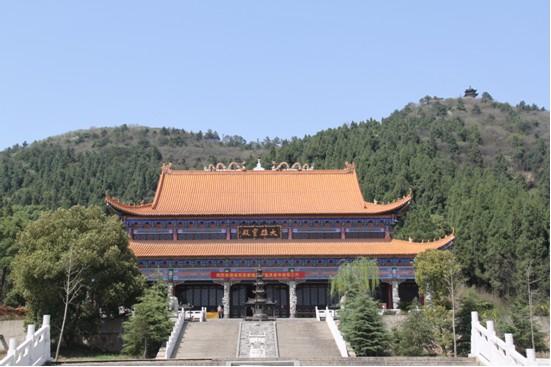 景致秀美的灵泉寺