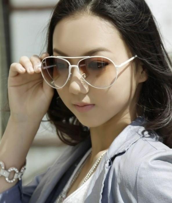 杨鸣女友乃艺体美女 CBA第1帅哥恋情曝光