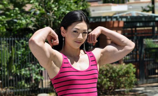 肌肉大萝莉_韩国甜美萝莉脸肌肉美女爆红网络-搜狐女人