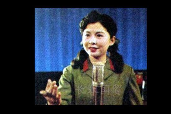 院毕业后,进入总政歌舞团担任独唱演员.同年,张楠也经过努力进