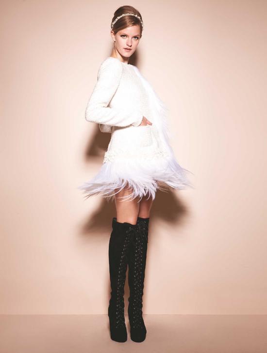 清新/4. COCOON女装(可可尼)衣服运用层叠设计,不同皮毛的拼接...