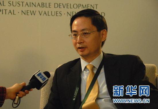 11月17日,国际金融论坛2012全球年会在北京举行。本届大会主题为:世界经济格局变迁与全球金融改革。图为德意志银行大中华区首席经济学家马骏接受新华网记者专访。