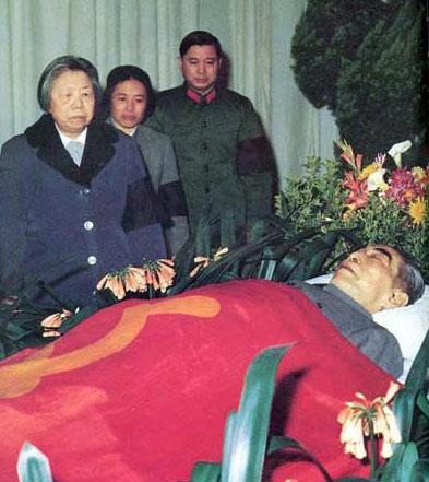 1976年1月8日9时57分,周恩来总理在北京医院不幸逝世。(资料图)