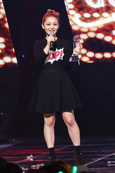 新歌手李夏怡继《1,2,3,4》后22日公开抒情曲
