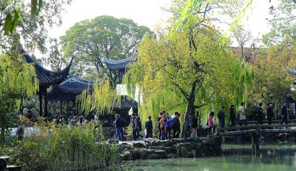 日前在上海举行的2012中国国际旅游交易会上,苏州推出的一系列特色鲜明的精品游线,吸引了众多国际买家的目光。