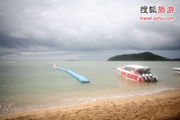 普吉岛:玩水求来年财运