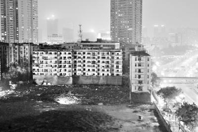 武汉/北京地铁4号线早高峰出信号故障大批乘客滞留(组图)