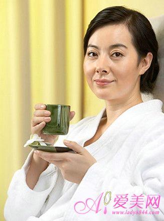 更年期综合症食疗法_健康女性五个步骤食疗 化解更年期综合症(组图)-搜狐青岛