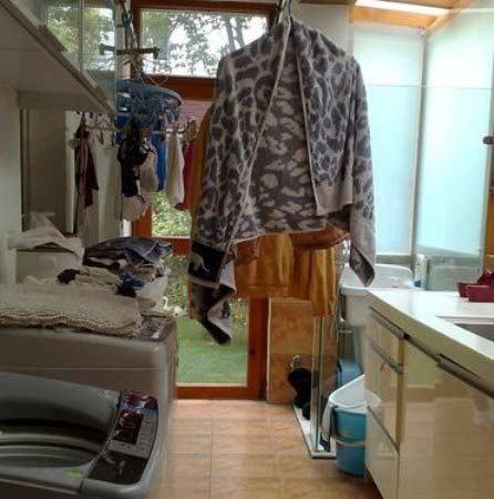 装修 效果图 阳台/阳台装修效果图:洗衣机放浴室怕受潮,放厨房又占地方。