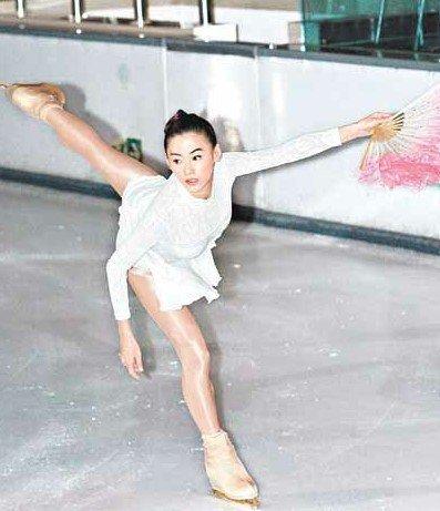 张柏芝深爱滑冰