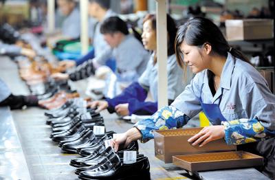 莘塍某鞋厂生产线