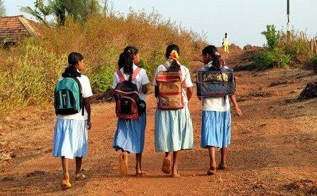 倮体大学生_印度13岁女生因盗窃被迫裸体示众后自杀未遂-搜狐教育