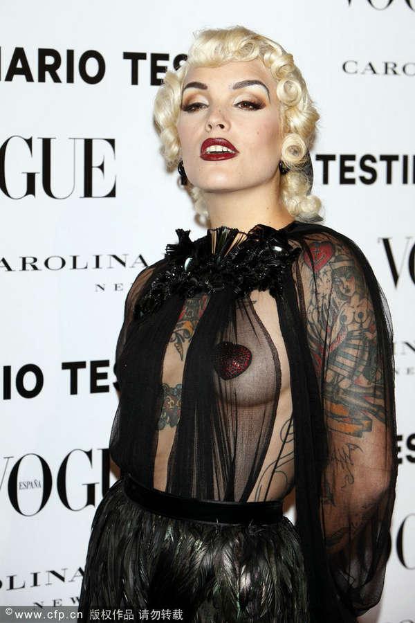 女人裸乳图 女人人体下胆艺术