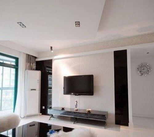 小客厅吊顶效果图:简单块状形吊顶,区分沙发和电视背景墙区域
