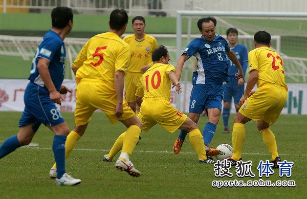 老甲A图片:点球战四川6-7陕西 王宝山突破