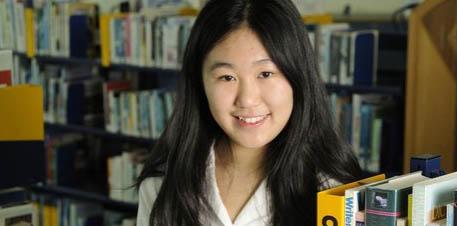 奥克兰17岁亚裔女生近视研究获大奖 或影响学界