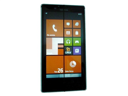 诺基亚 诺基亚 Lumia 820 图片
