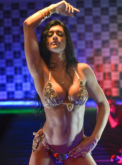 巴西美臀大赛 教你打造电动翘臀 搜狐女人