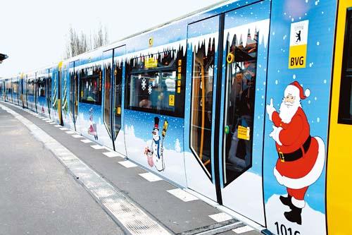 德国首都柏林发出今年首列迎圣诞地铁专列(图)图片