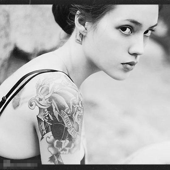 俄罗斯美女惊艳诱惑纹身美图