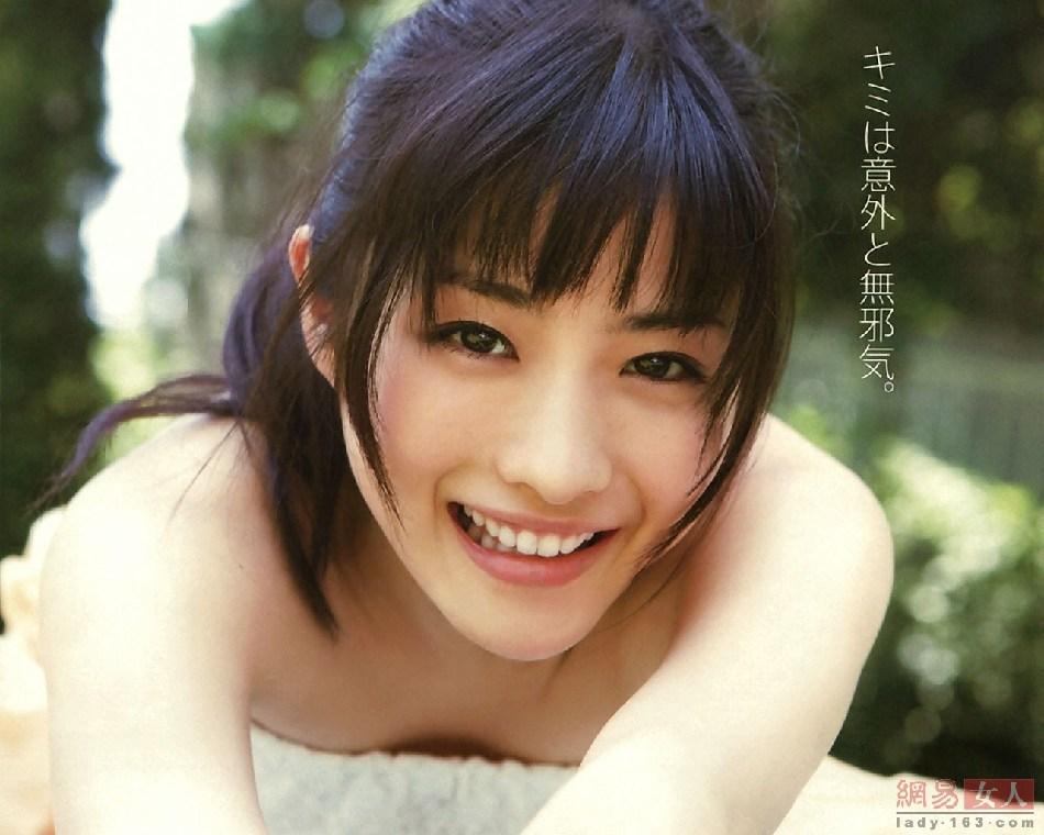 日本小学女生人体一色_2012年\