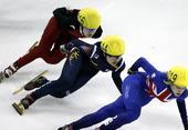 图文:短道速滑世界杯上海站赛况 女子1000决赛