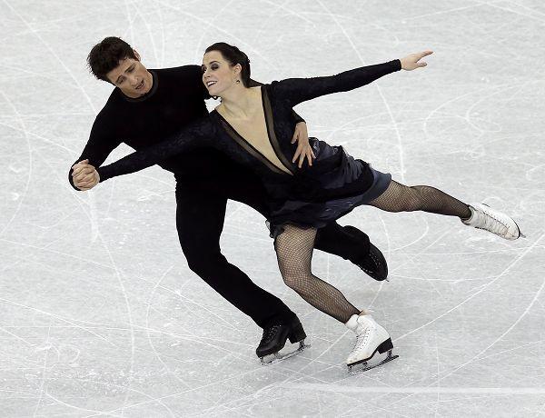 图文:总决赛冰舞自由舞 维尔图莫伊尔滑行
