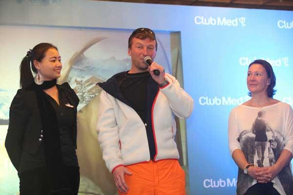 亚布力村长Mei(左)亚布力滑雪学校校长Frantisek Kacer (中)前东奥会高山滑雪冠军Carole Montillet