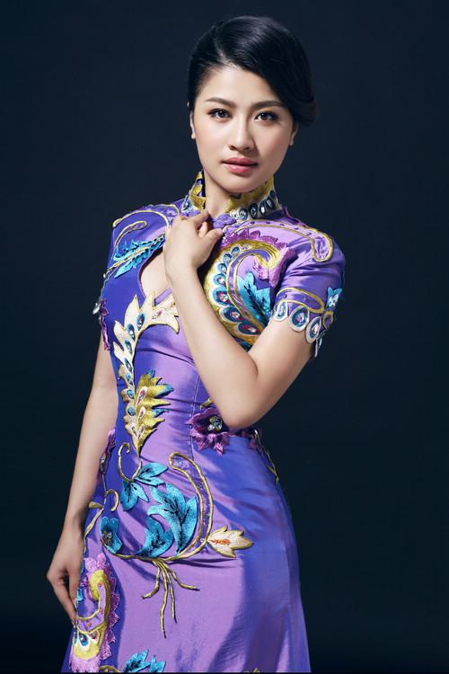 搜狐首页 中国新民歌歌手张倩《祥和中国》 再掀民族跨界风