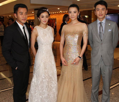 龙虎娱乐讯 日前,杨幂,宋佳,刘凯威一行盛装出席上海某大型时尚活动