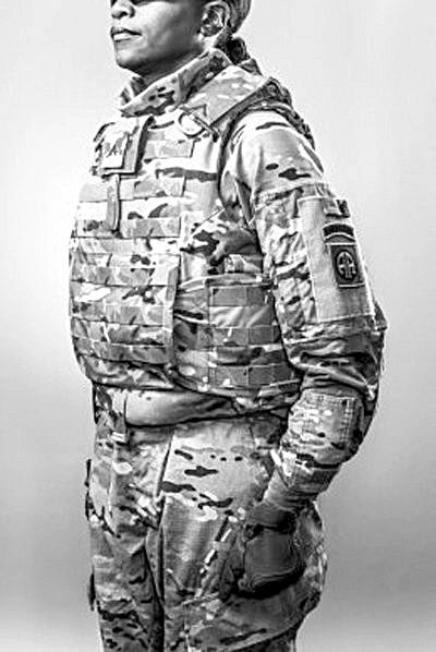 女性专用防弹衣