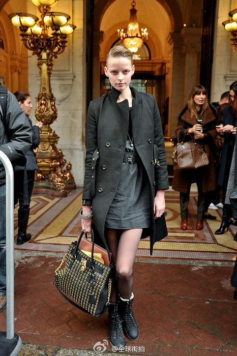 欧美风范搭配 型格大衣温暖过冬天
