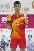 图文:2012羽联超级赛总决赛 谌龙抿嘴