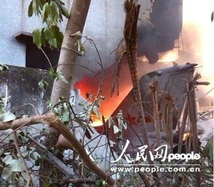 资料图:2012年12月4日一架中国歼-7在广东汕头市赤窖村坠毁。