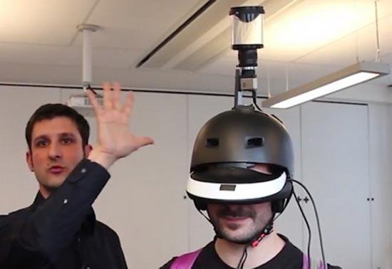 这款头盔使用一套名为FlyVIZ的系统,头盔上的视频摄像头负责采集四周的影像