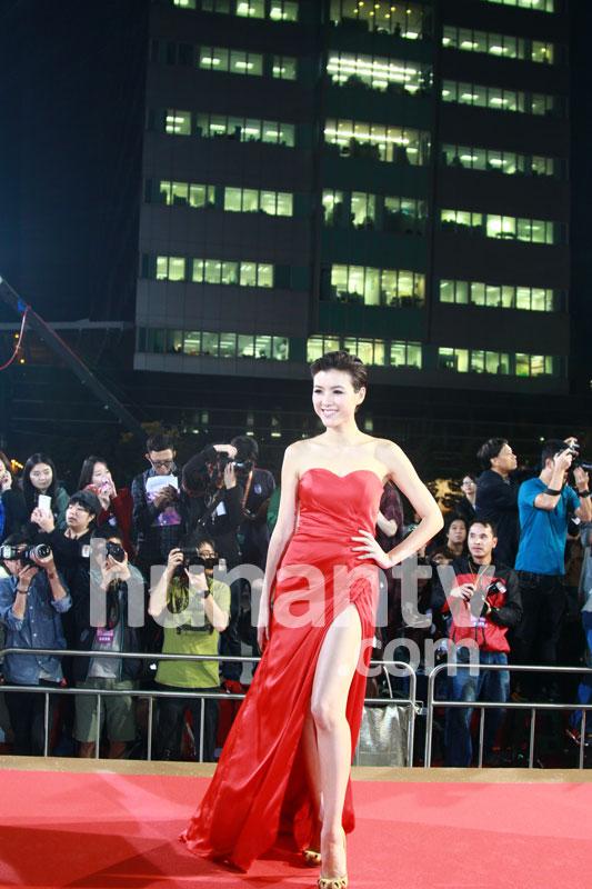 tvb颁奖礼2011_杨怡胡杏儿胡定欣 tvb颁奖礼女星红毯top10(图)
