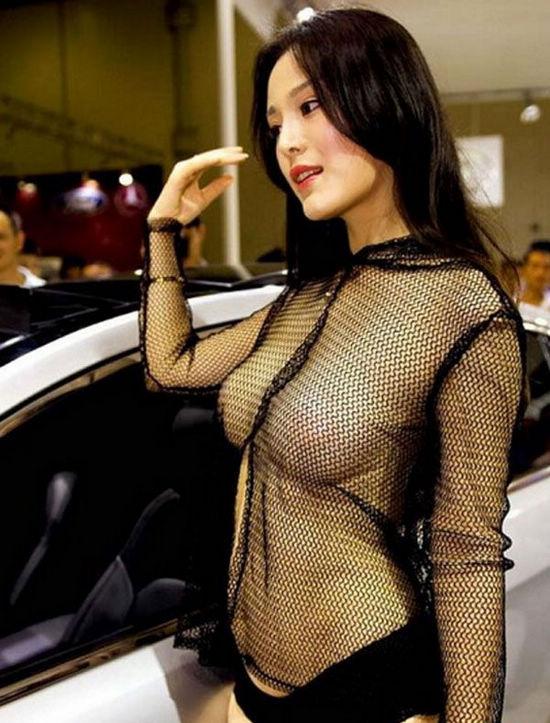 走光挤胸博出位盘点2012五大最抢镜车模 搜狐