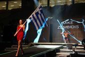 图文:K-1格斗大奖赛希腊站 迎接观众欢呼