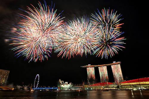 新加坡:热带跨年闹狂欢