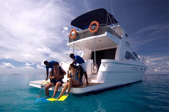 时时处处潜水尽在海水清澈见底的马尔代夫