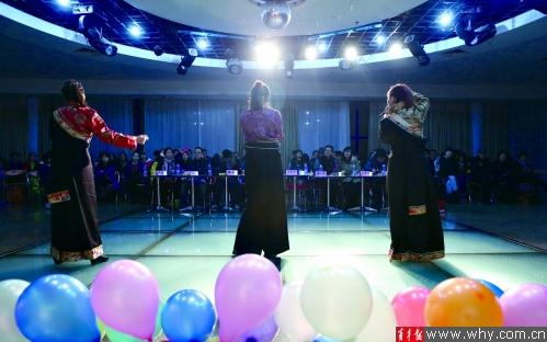 """央宗,扎西措姆和央金卓玛是""""青女郎""""活动中首次组队参赛的选手.图片"""