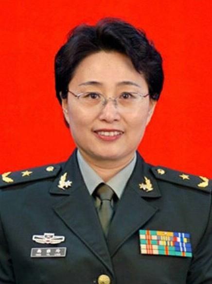 中国中的美女将军学历曝光