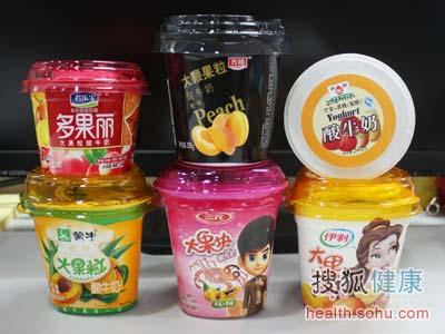 6大品牌大果粒酸奶评测 光明 果粒少奶稀薄图片