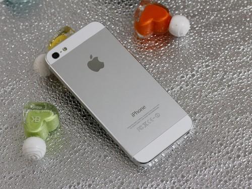 新一代王者降临 苹果iPhone 5双节热卖