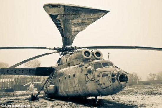 走进俄罗斯 探访最大的飞机墓地