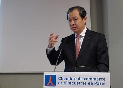 驻法国大使孔泉向法国企业界介绍十八大和中国经济形势(组图)
